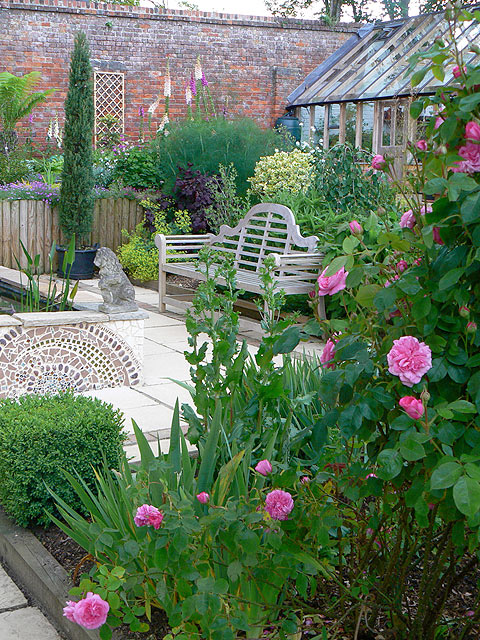The Courtyard Garden - River Barn Garden Malmesbury