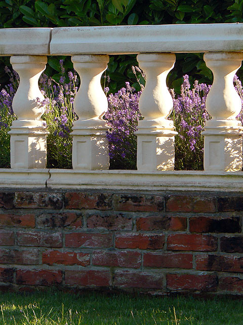 Terraced Lawn- River Barn Garden Malmesbury